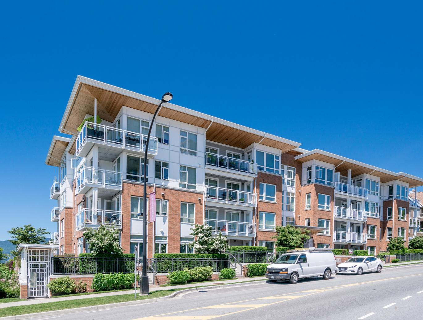 304 - 717 Chesterfield Avenue, Lower Lonsdale, North Vancouver 3
