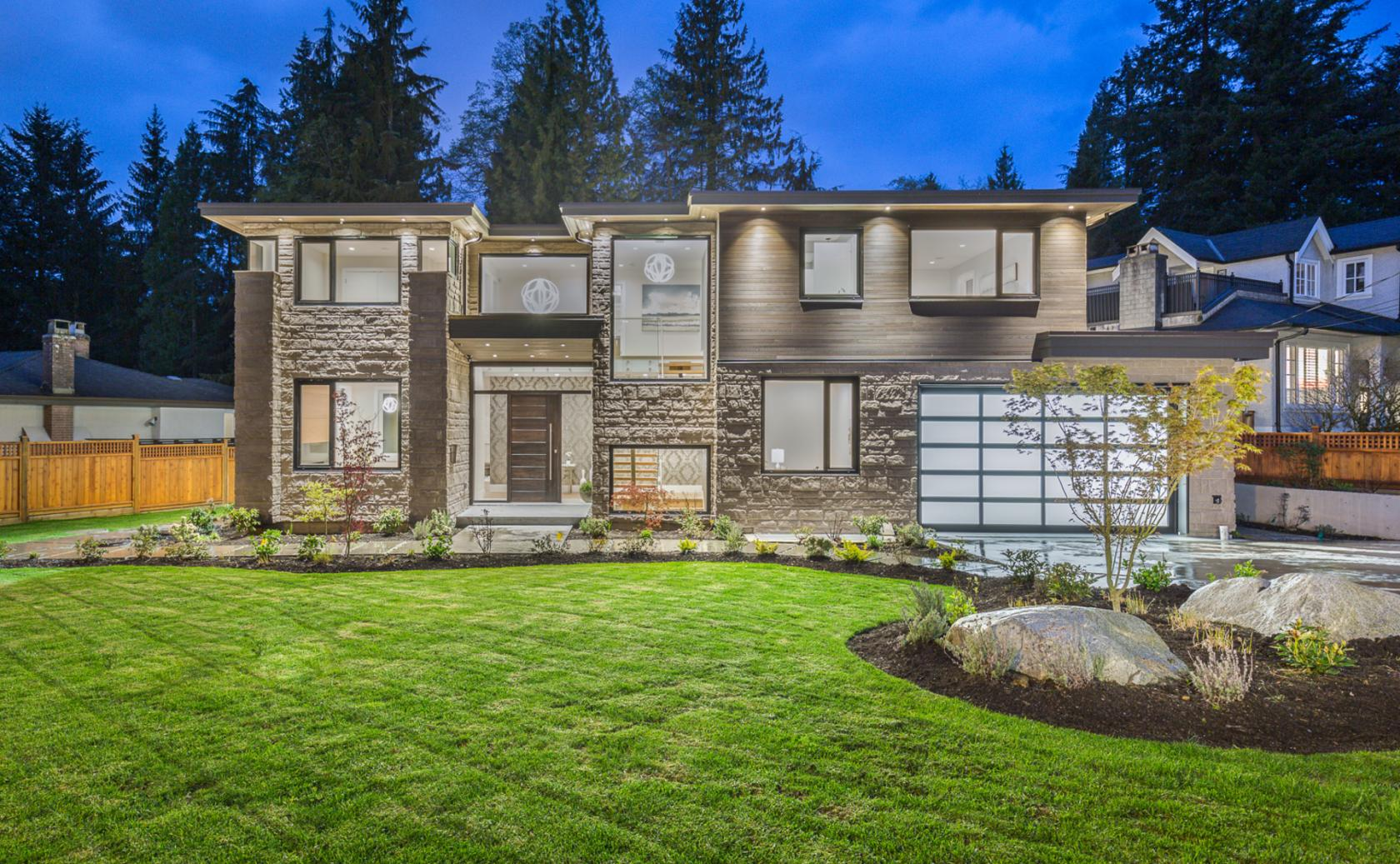 3885 Sunset Boulevard, Edgemont, North Vancouver