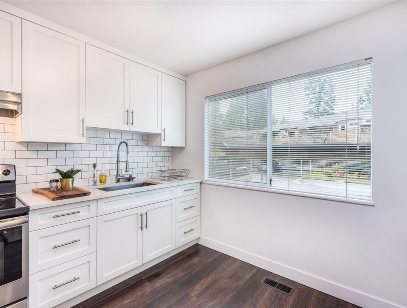 4619 Hoskins Road, Lynn Valley, North Vancouver 3