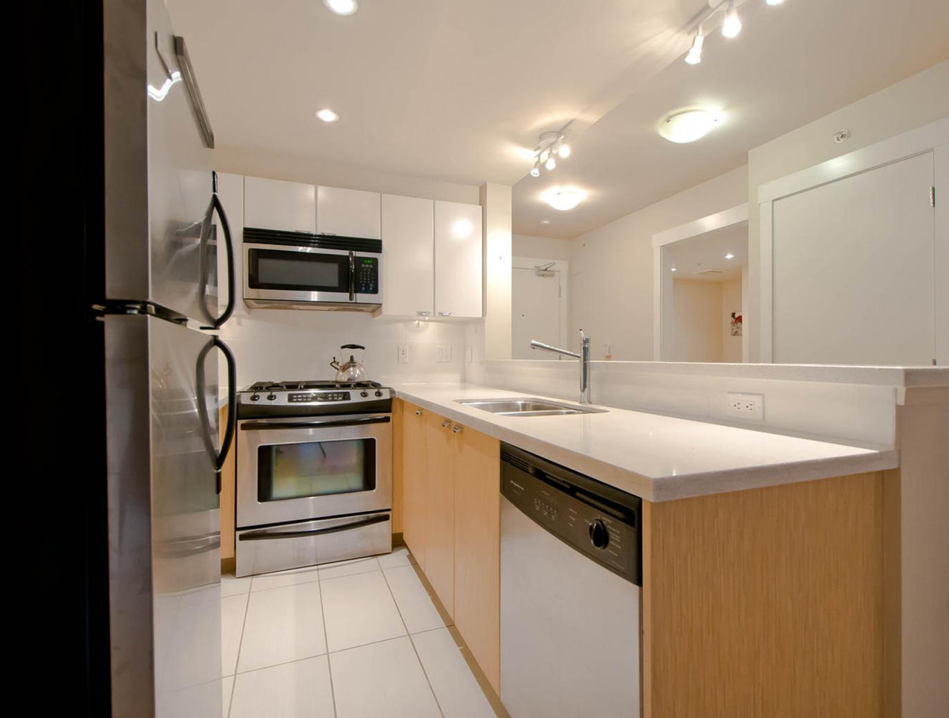 302 - 160 W 3rd Street, Lower Lonsdale, North Vancouver 2